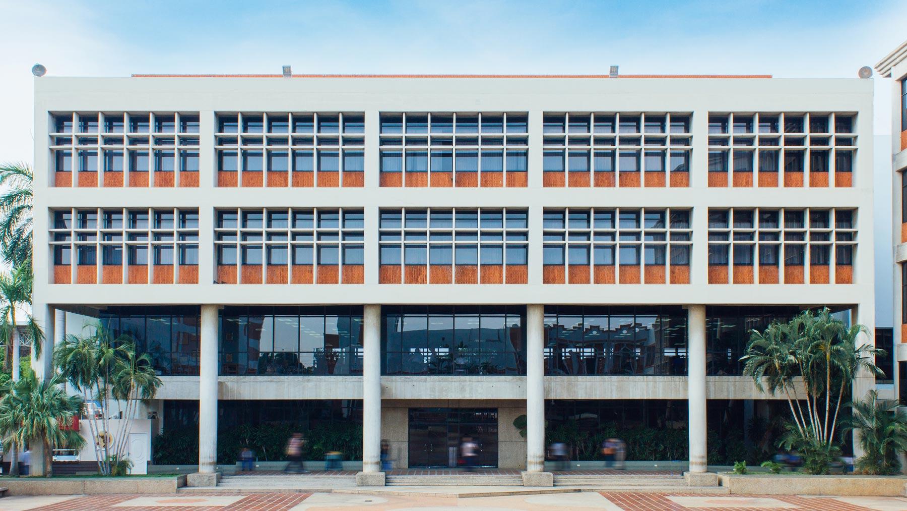 edificio-biblioteca-y-posgrado-ube-4