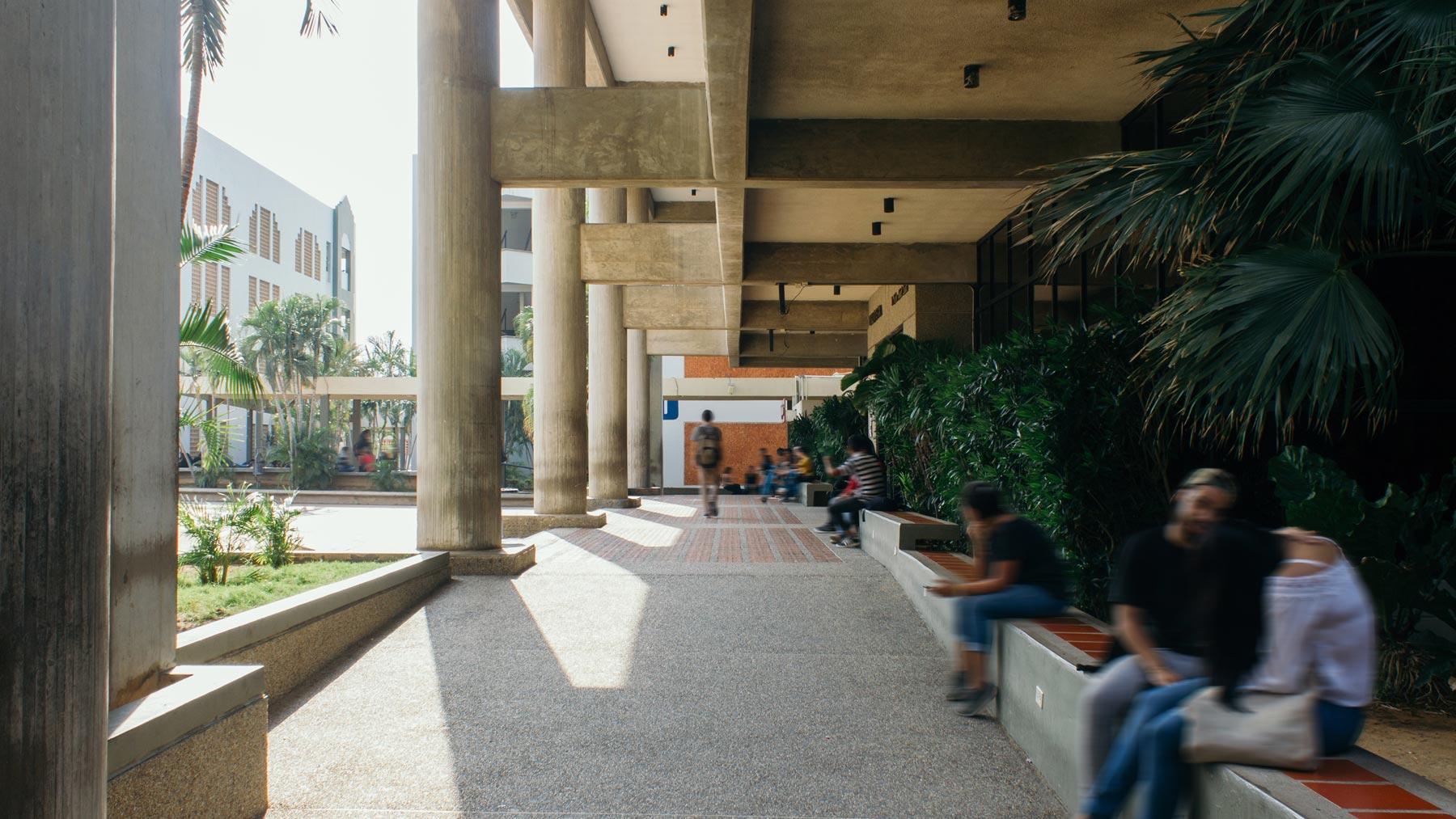 edificio-biblioteca-y-posgrado-urbe-6
